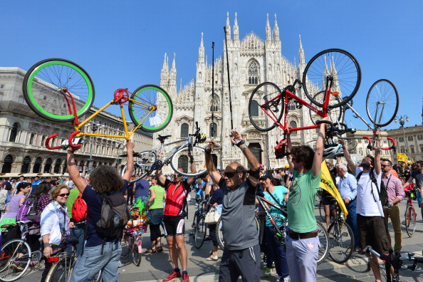 ITALY-CYCLING-CITY-DEMO