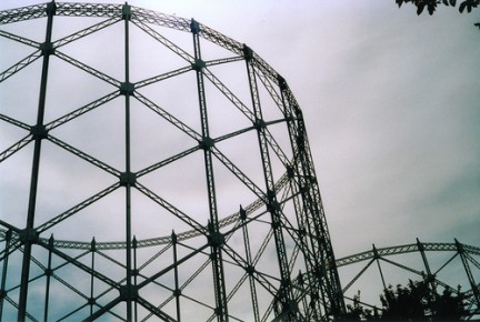 Gazometro (photo Flickr by lamirlet)