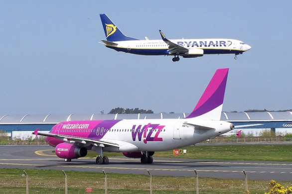 ryanair the low fares airline Headline airline takes on ryanair with 'transparent low fares.