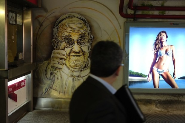 ITALY-ART-TRANSPORT-POPE