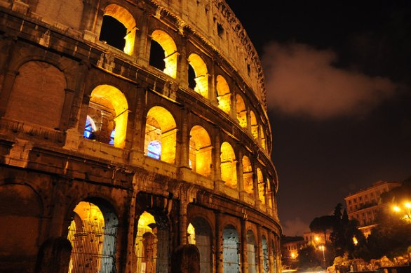 Colosseo by night