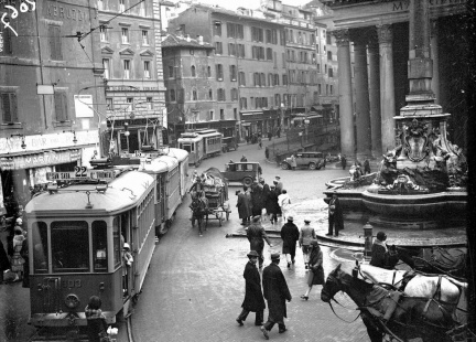 Roma_Storica_Piazza del Pantheon