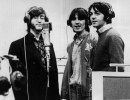 The Beatles, John Lennon, George Harrison e Paul McCartney, record voices in a studio for their new cartoon film 'Yellow Submarine', 1968