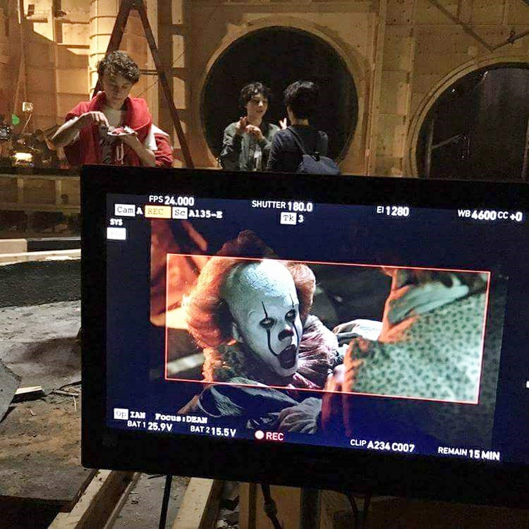 it-nuova-foto-dal-set-con-pennywise-2.jpg