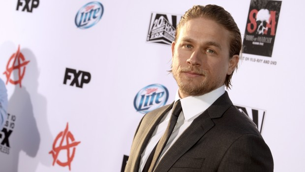 """Charlie Hunnam,-Premiere Of FX's """"Sons Of Anarchy"""" Season 6 - Red Carpet"""