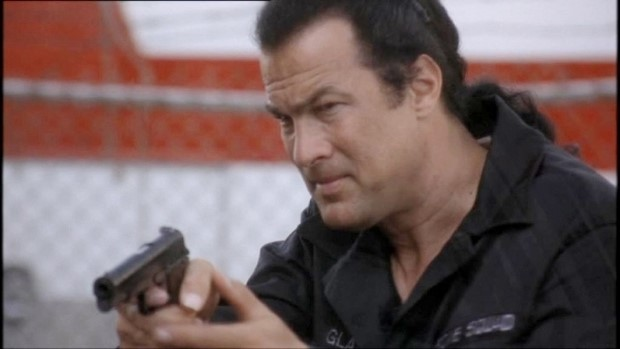 Stasera in tv su Rete 4 Ticker con Steven Seagal (1)