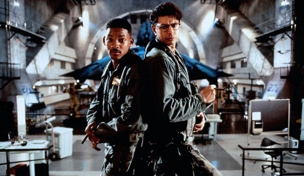 stasera-in-tv-su-rete-4-independence-day-con-will-smith-4.jpg