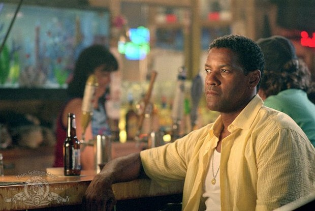 Stasera in tv su Rete 4 Out of Time con Denzel Washington (3)