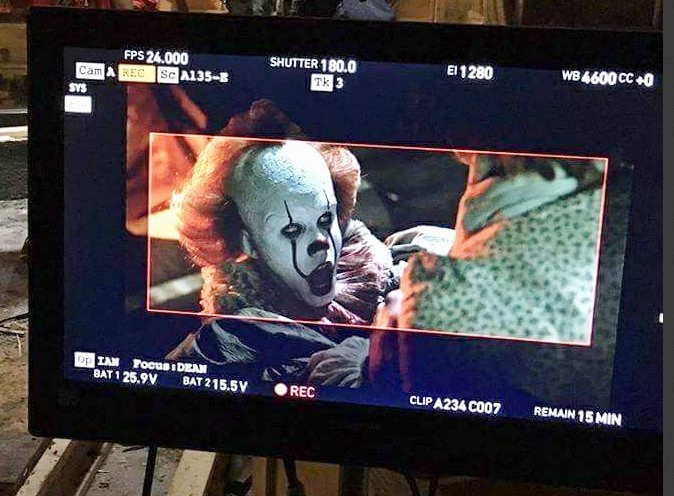 it-nuova-foto-dal-set-con-pennywise.jpg