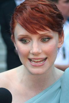 Bryce Dallas Howard in Hereafter di Clint Eastwood