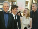 Clint Eastwood, Kevin Bacon, Laura Linney e Tim Robbins, Mystic River a Cannes, 23 mag 2003