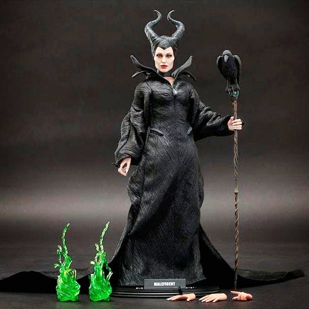 Maleficent  foto della nuova action figure Hot Toys di Angelina JolieHot Action Figure