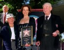 Sigourney Weaver, with mother and father, star on the Hollywood Walk of Fame, 16 Dic 1999