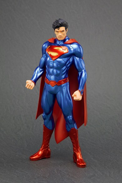 Action Figures - La Kotobukiya presenta Superman versione New 52 ARTFX!