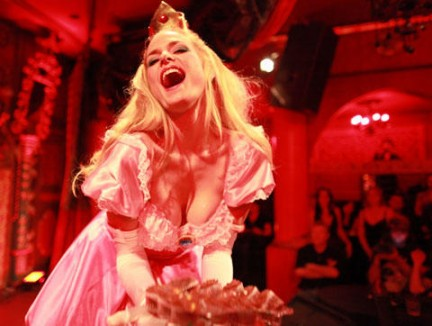 Il cosplay incontra il burlesque - Strip-tease per geek