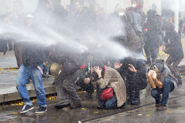 FRANCE-BRUTALITY-ENVIRONMENT-DAM-PROTEST-POLICE