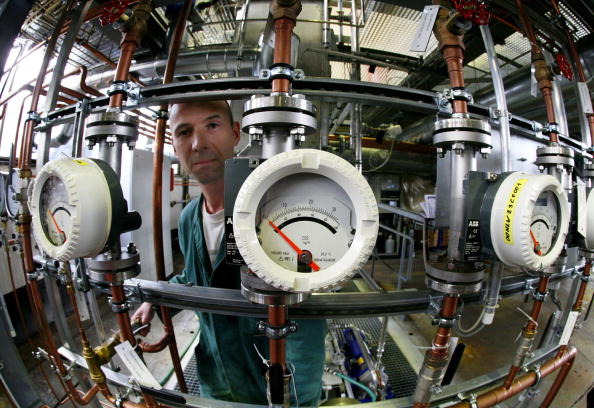 An engineer can be seen behind the instr