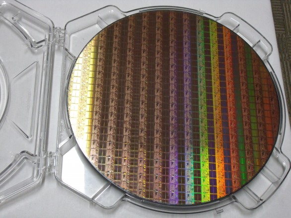 wafer-silicio-intel-fab24
