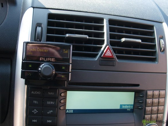 Pure Highway 300Di: la radio digitale in auto