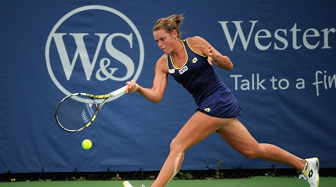 karin-knapp-serena-williams-wta-cincinnati-2015.jpg