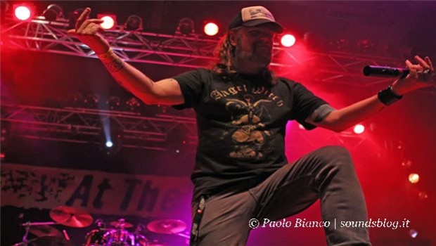 at_the_gates_trezzo_2014_concerto_milano
