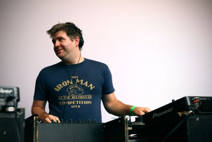 """LCD Soundsystem: \""""Beats In Space\"""" �¨ il mix di James Murphy in download gratuito"""