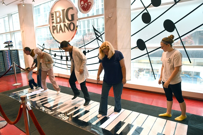 US-ECONOMY-BUSINESS-FAO SCHWARZ
