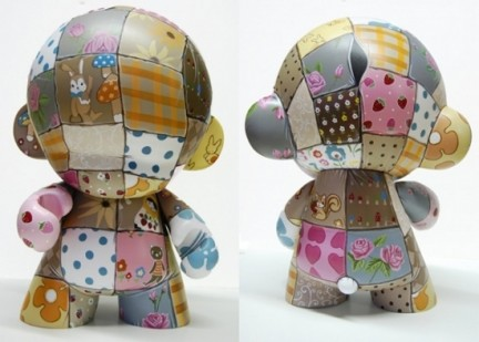 Mega Munny: custom in stile patchwork